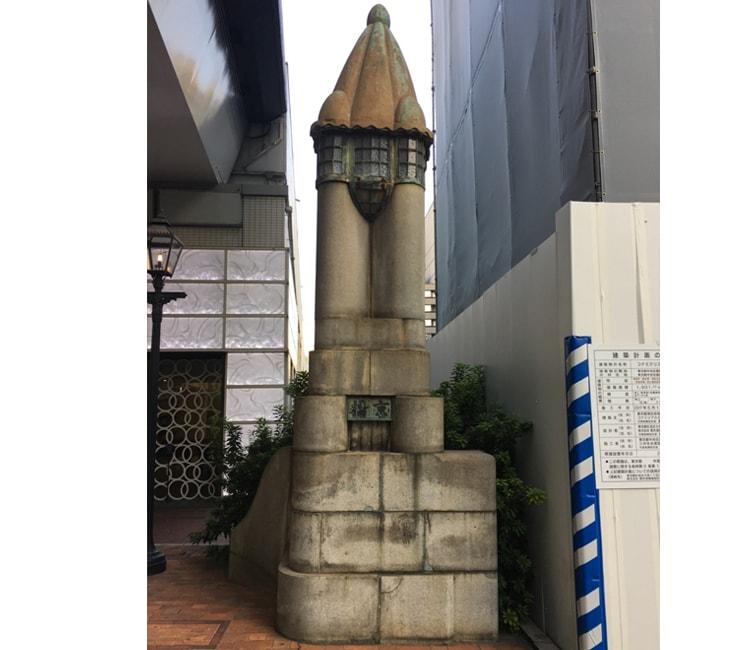 京橋の親柱の名残り